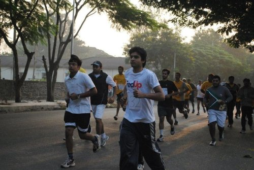 Enthusiastic Team from e-Zest participates in huge numbers in 'Prashanti Breast Cancer Awareness Run'